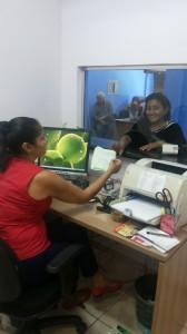 Maria Raimunda Fernandes em atendimento. Foto: Mirinéia Nascimento