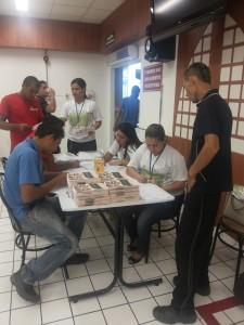 Funcionários da empresa LG Eletronics da Amazônia. Foto: Mirinéia Nascimento