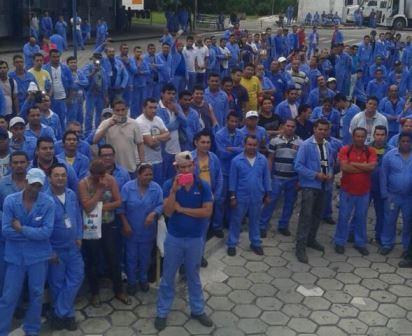 trabalhadores demitidos da ifer
