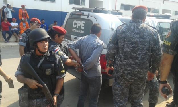 O presidente do Sintracomec-AM, Cícero Custódio foi um dos detidos por incitação a violência, já que teria ameaçado incendiar a sede de governo – foto: Josemar Antunes