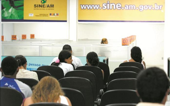 O seguro-desemprego varia de mínimo de um salário-mínimo  até R$ 1,5 mil. Foto: Jair Araújo