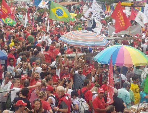 Sindicato dos Metalúrgicos do Amazonas presente no 1º de Maio em Curitiba, no Ato político por Lula