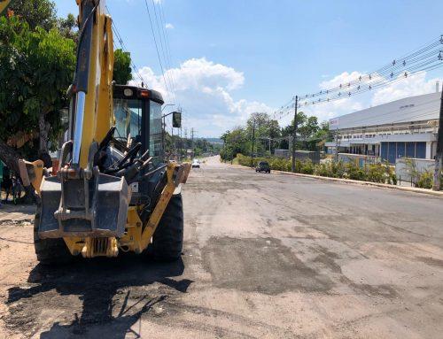 """Avenida Açaí recebe obras, tapa buracos após reivindicação no Programa """"A Verdade do Trabalhador"""""""